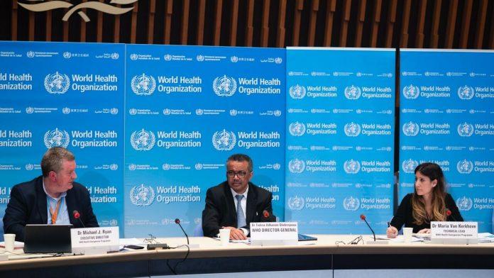 El director general de la Organización Mundial de la Salud, Tedros Adhanom Ghebreyesus, comparece en rueda de prensa
