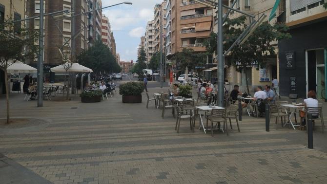 Cafetería abierta este lunes en Lleida a pesar de la orden del Govern.