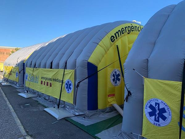 Carpa del Sistema d'Emergències Mèdiques (SEM) instalada junto al Hospital Arnau de Vilanova de Lleida. Foto: Europa Press.