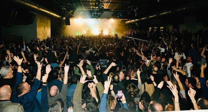 Momento de un concierto en la sala Repvblicca de Mislata.
