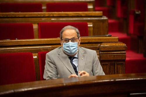 El presidente Quim Torra con mascarilla en el Parlament.