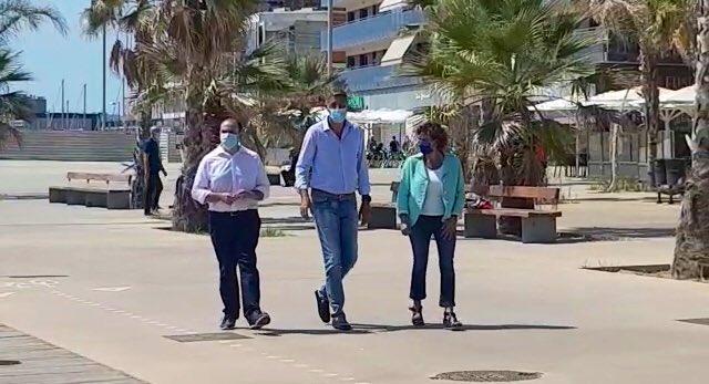 Los 'populares' Daniel Serrano, Xavier García Albiol y Dolors Montserrat en Badalona.