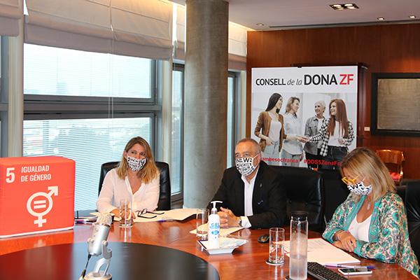 Blanca Sorigué, directora general; Pere Navarro, delegado del Estado y Montse Novell,directora de RSC-ODS del Consorci, respectivamente. Foto: Consorci de la Zona Franca.