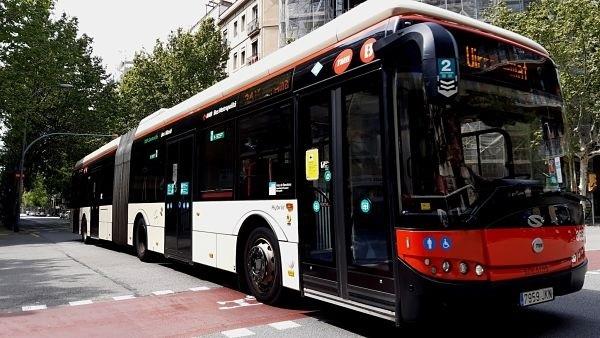 Vista de un autobús barcelonés. Foto: Europa Press.