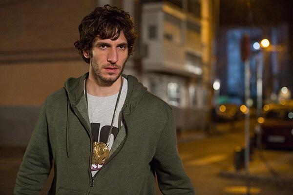Quim Gutiérrez protagoniza 'El vecino', la serie premiada en los Liber 2020.