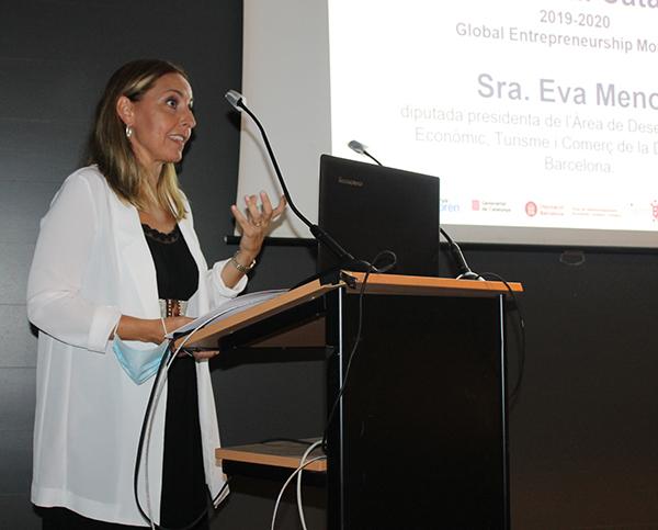 Eva Menor, diputada presidenta del Área de Desarrollo Económico, Turismo y Comercio de la Diputació de Barcelona. ha conducido la charla.