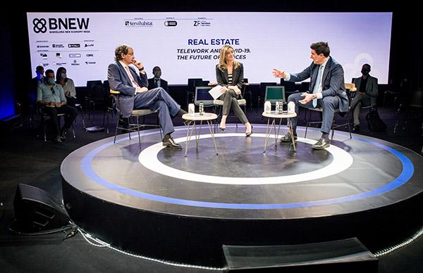 Pere Viñolas, CEO de Inmobiliaria Colonial, junto a Anna Gener, CEO de Savills Aguirre Newman e Ismael Clemente, CEO de Merlin Properties. Foto: BNEW.