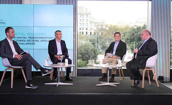 Pau Guarro, de Between Technology; Ramon Pastor, de HP; Joan Parra, de Leitat y Carles Alemany, de Rogasa Group, durante la mesa redonda en el BNEW.
