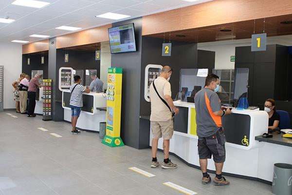 Vista de una oficina de correos en Córdoba. Foto: Europa Press.