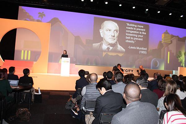 Imagen de la ponencia de Janette Sadik-Khan, comisionada de movilidad de la ciudad de Nueva York de 2007 a 2013, durante el Smart City Expo World Congress 2019.