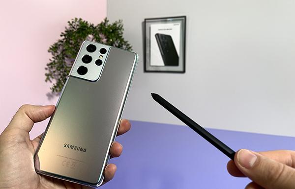 Samsung adelanta el lanzamiento de los Galaxy S21 y toma la delantera en teléfonos Android. Foto: Europa Press.