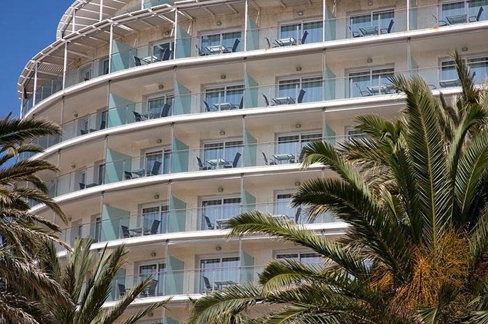 La imagen tiene un atributo ALT vacío; su nombre de archivo es Hotel-Sitges.jpg