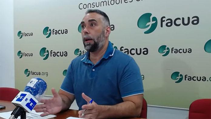 Rubén Sánchez, secretario general de FACUA, durante la presentación de hoy.