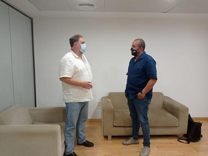 Oriol Junqueras y Javier Pacheco durante la reunión de hoy. Foto: CCOO.