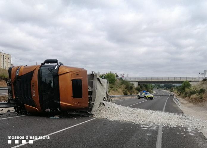 Accidente de tráfico en el Pla del Penedès. Foto: Mossos d'Esquadra.